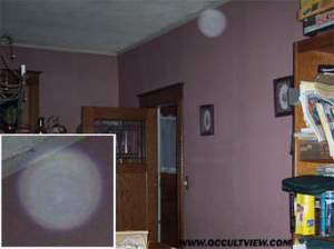 Do orbs exist? are they spirits or dust particles, or camera lens contaminant?