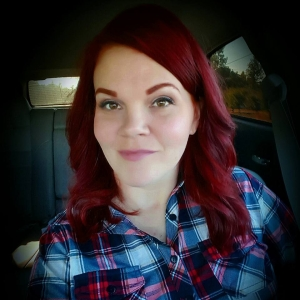 Meet Doubtful News creator Anna hill. she also goes by Anna Banana on twitter.